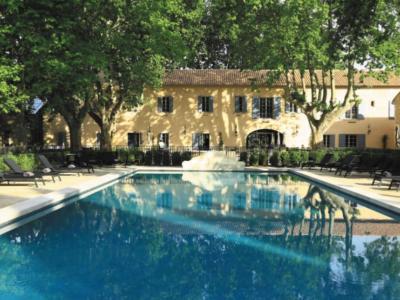 Domaine de Manville, Baux de Provence